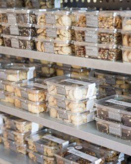 עוגיות גרנולה וחמוציות